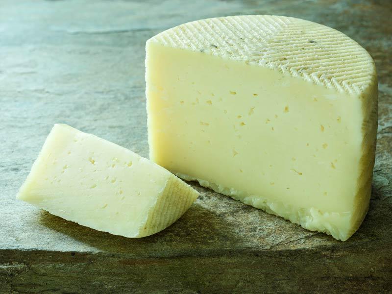 El queso de leche cruda y sus beneficios para mejorar el sistema inmunológico